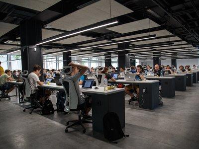 Cinco formas de mantenerte activo en la oficina (aunque tengas que pasar ocho horas sentado)