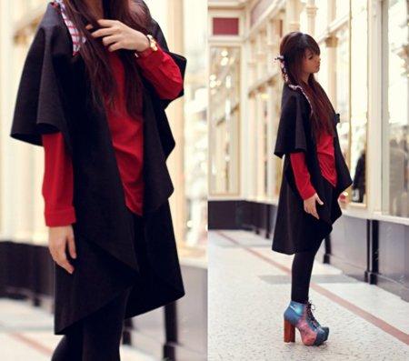 Negro rojo ancho moda en la calle