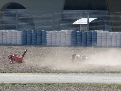 Casey Stoner se cae en Jerez y es evacuado al hospital
