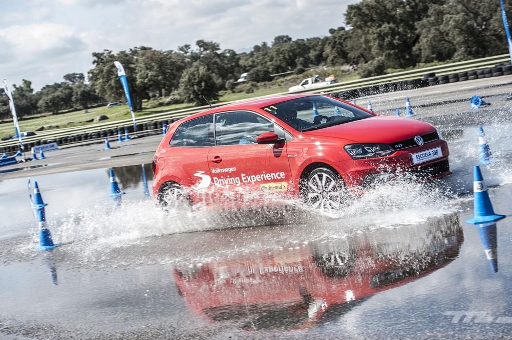 Volkswagen Driving Experience Escuela R 026