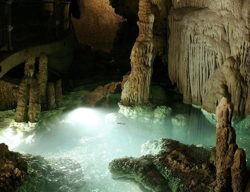 Espeleoturismo en República Checa: cinco cuevas a visitar