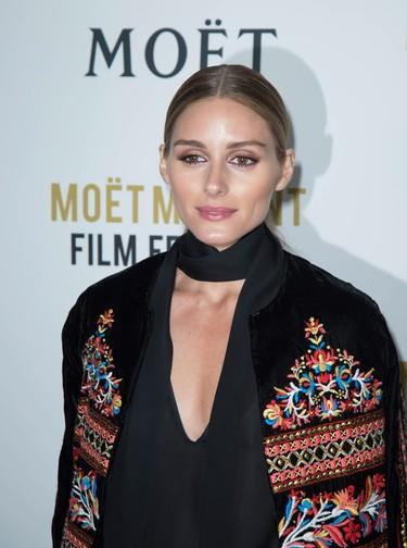 Olivia Palermo también se apunta a las fiestas pre- Globos de Oro vestida de Zara