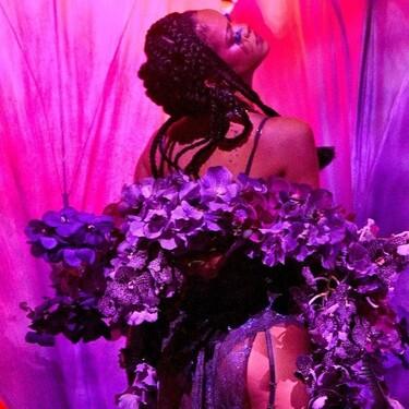 El striptease de Rihanna, la actuación de Rosalía en lencería y Paris Hilton desfilando: así es el show de Savage x Fenty que desbanca a todos los demás