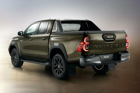 Toyota Hilux 2021 3