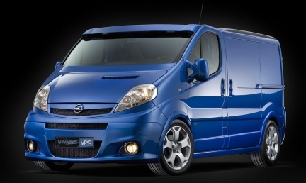 Opel Vivaro VPC, ¿correrá más que una Furgoneta Blanca?