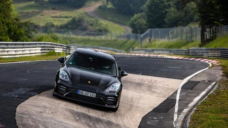 Porsche Panamera Turbo Rompe Record En Nurburgring 2