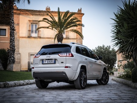 New Jeep Cherokee Overland 10