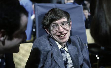 Gracias a la tecnología por haberle devuelto la voz a Stephen Hawking