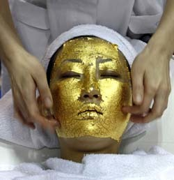 Tratamiento facial con oro 24 kilates