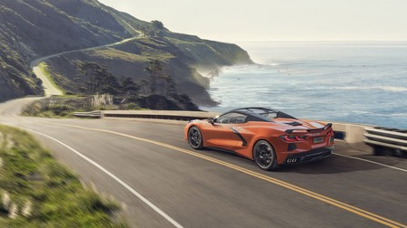 Chevrolet Corvette C8 Convertible 4