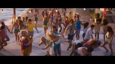 ¡Menudo fiestón revival se monta Leona Lewis en su primera película!