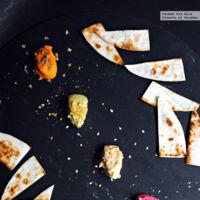 Cuarteto de hummus: tradicional, de pesto, de remolacha y de piquillo. Recetas