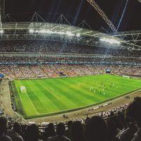 El fútbol nos hace infelices: mientras sigue levantando pasiones, la ciencia señala que ser futboleros nos hace sufrir