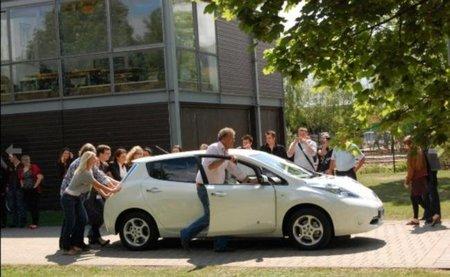 Top Gear sigue con su particular cruzada contra el coche eléctrico