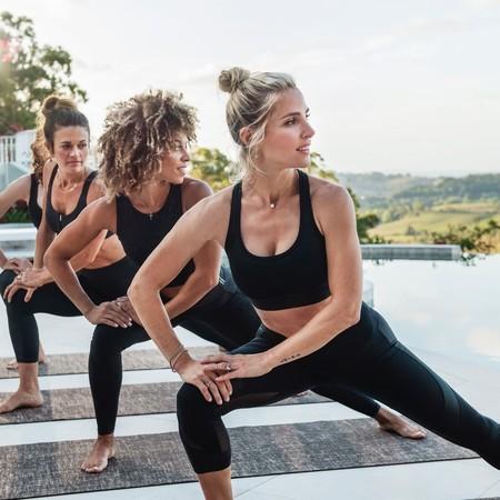 El entrenamiento de Yoga de Elsa Pataky que nos ayudará relajarnos y dormir mejor esta cuarentena