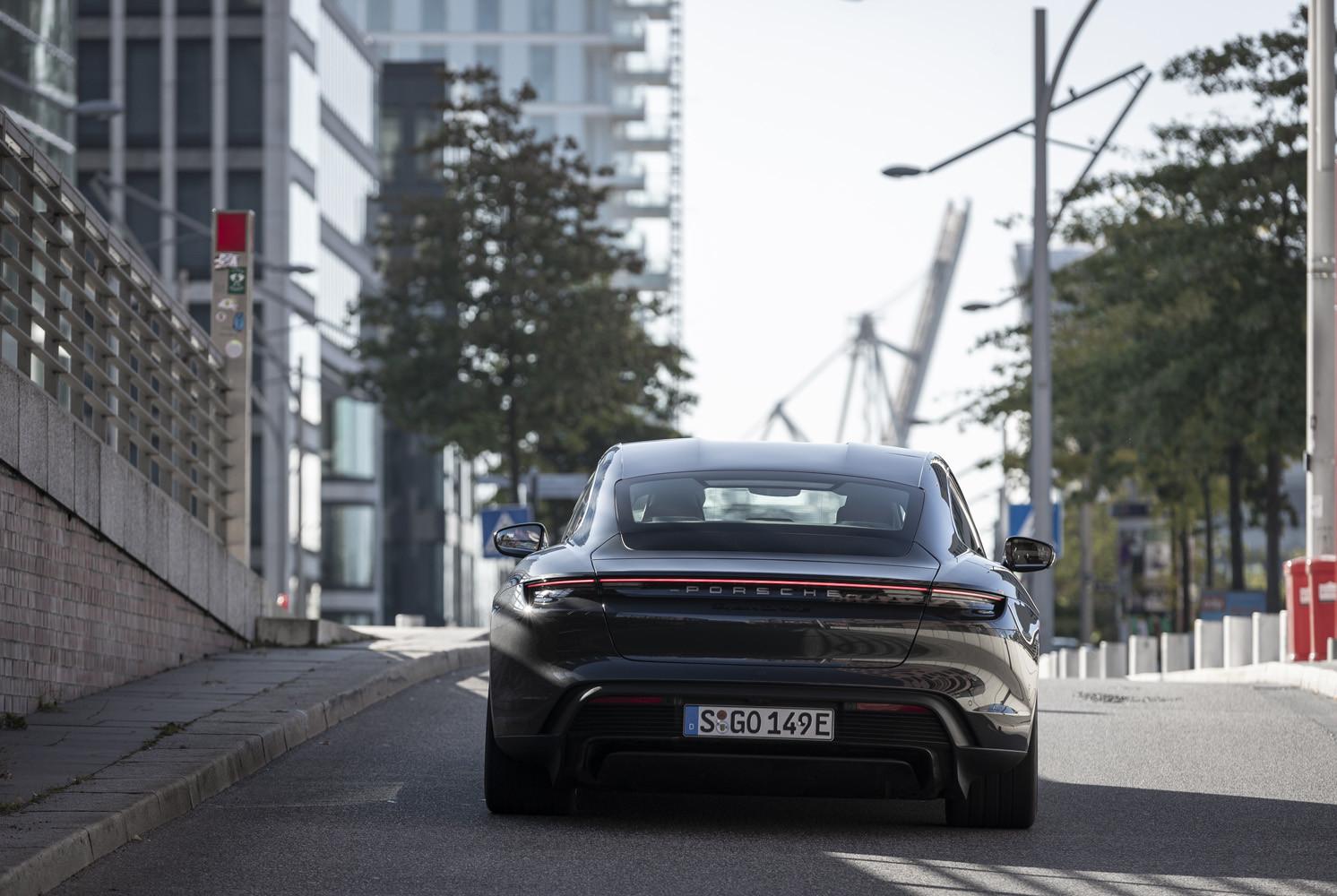 Foto de Porsche Taycan prueba contacto (80/275)