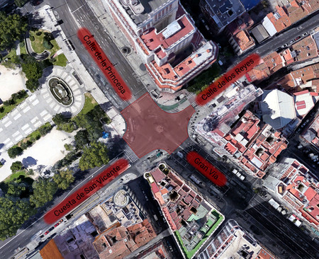 Paso Peatones Plaza Espana Madrid
