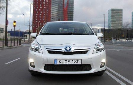 Toyota-Auris-HSD-2