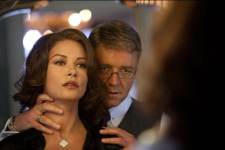 Catherine Zeta-Jones y Russell Crowe en La Trama