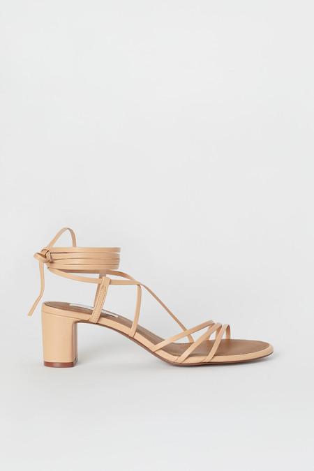 la mejor actitud 3d886 8a90f Las sandalias de H&M que no destrozarán tus pies (y combinan ...