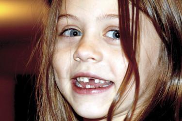 La bonita carta de la directora del colegio al Ratoncito Pérez tras perder un niño un diente en el patio