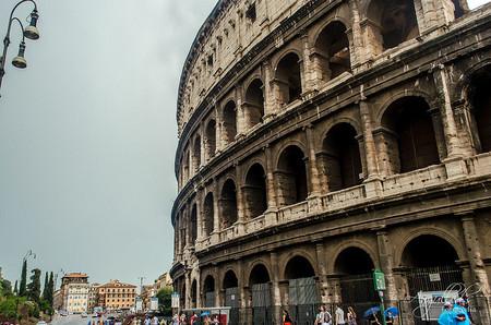 Roma se tambalea al borde de la quiebra al estilo de Detroit