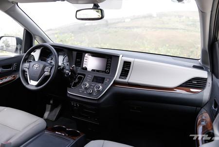 Toyota Sienna 2018 8