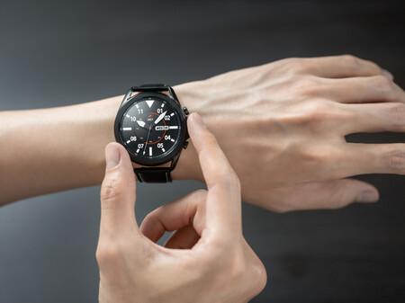 Los smartwatches que nos van a ayudar a ponernos en forma molan mucho y que además están a buen precio