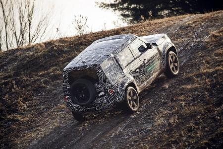 Land Rover Defender 2020 24
