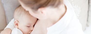 Los pediatras recomiendan mantener la lactancia materna en madres positivas por Covid-19