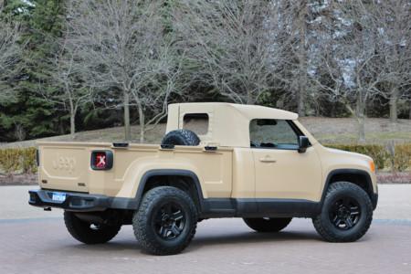 Jeep Comanche Concept trasera