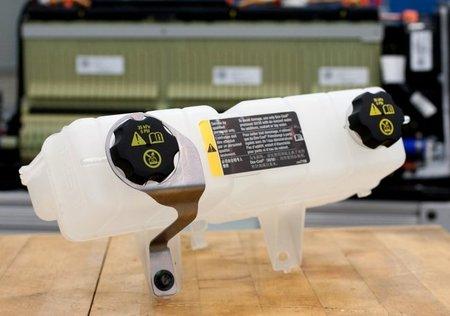 Nuevo soporte del depósito de refrigerante de las baterías del Chevrolet Volt