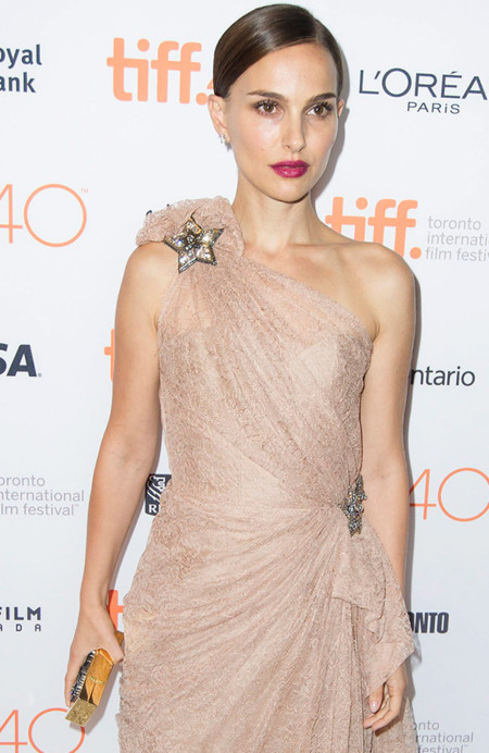 La delicadeza de Natalie Portman sobre la alfombra roja del Festival de Toronto