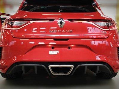 ¡Filtrado! El Renault Megane RS muestra nuevamente el trasero a todo internet