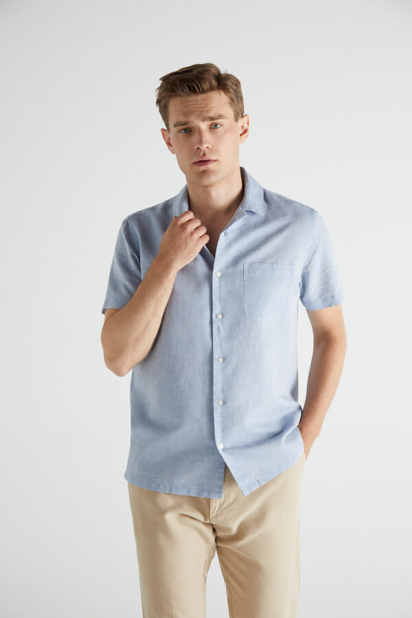Camisa lisa manga corta cuello camp