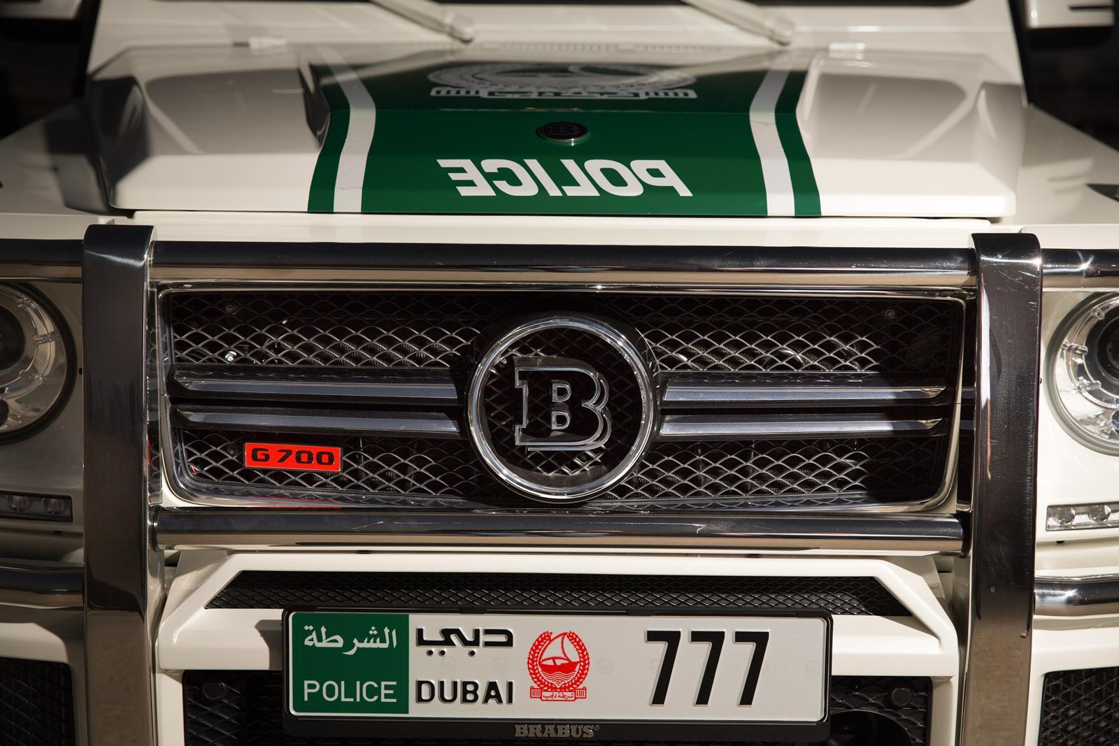 Foto de Brabus B63S–700 Widestar Policía Dubái (21/30)