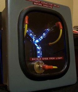 El condensador de fluzo del DeLorean en eBay