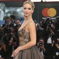 Jennifer Lawrence eclipsa en la alfombra roja del Festival de Venecia