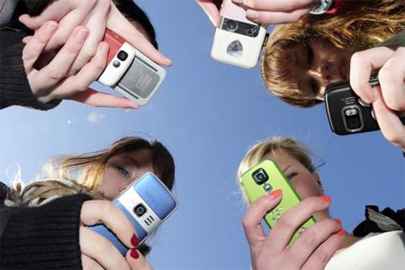 jovenes móviles