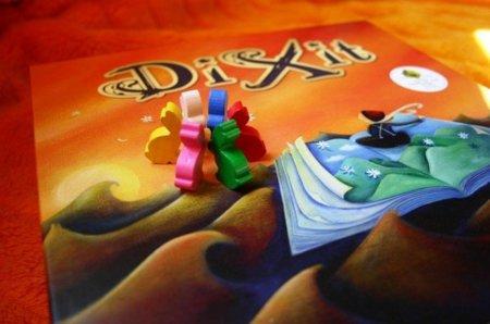 Dixit, un entretenido juego de cartas e historias