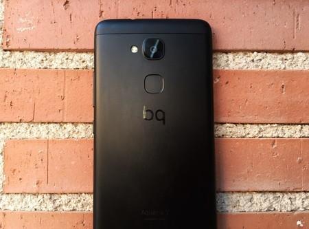BQ Aquaris V, primeras impresiones: un teléfono comedido con una cámara que enamora