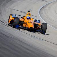 Fernando Alonso irá al test de Indianápolis y McLaren muestra en un time-lapse cómo se ensambló su coche