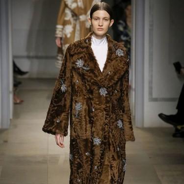 Clonados y pillados: si te enamoraste de este abrigo de Erdem, ahora tienes una oportunidad (low-cost) de hacerte con él