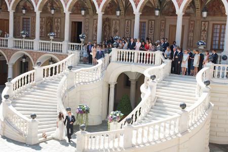 Primera, ¡y única foto! de Andrea Casiraghi y Tatiana Santo Domingo el día de su boda