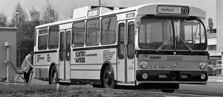 Mercedes-Benz OE 305 autobús híbrido de 1979