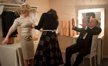 Scarlett Johansson y Anthony Hopkins en una escena de Hitchcock