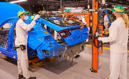 Honda begins production of Civic hatchback in Indiana 2