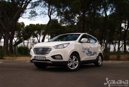 Probamos el Hyundai ix35 FCEV: así es conducir un coche con  pila de combustible de hidrógeno