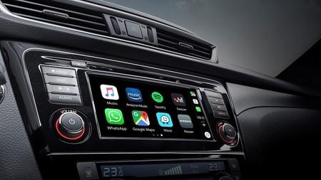 Android Auto y Apple CarPlay sí te hacen más feliz, lo dice la ciencia