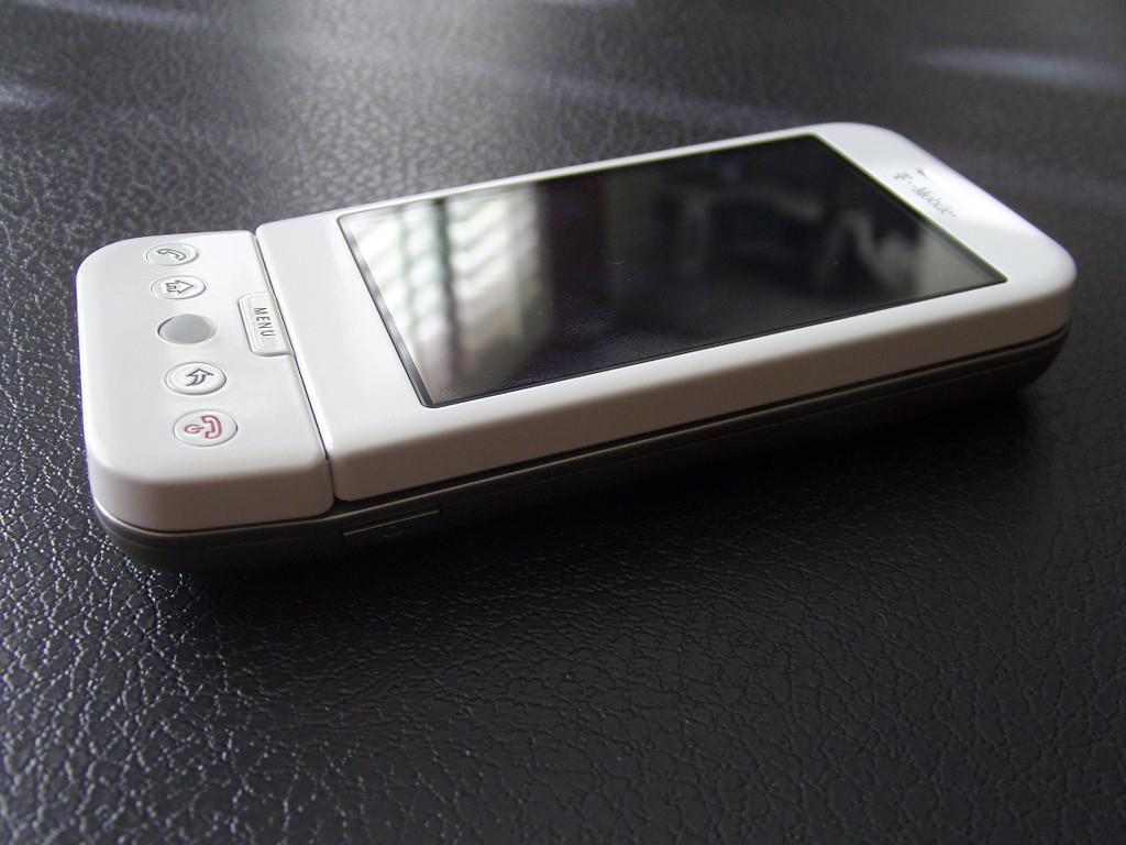 Foto de T-Mobile G1 White (22/24)